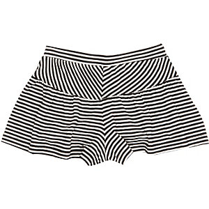Mini girls white striped shorts