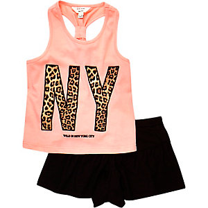 Mini girls coral NY top and shorts outfit