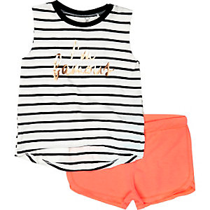 Mini girls stripe top and shorts outfit