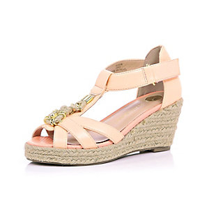 Girls coral embellished front raffia wedges