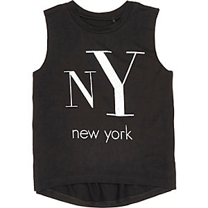 Mini girls black NY print vest