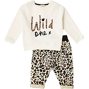 Mini girls leopard sweatshirt joggers outfit