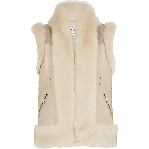 Girls cream faux fur vest