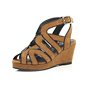 Girls brown strappy wedges