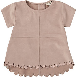 Mini girls pink faux suede laser cut t-shirt