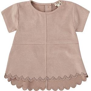 Mini girls pink faux suede laser cut t-shirt