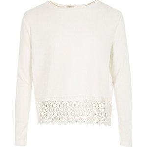 Girls white textured crochet hem t-shirt