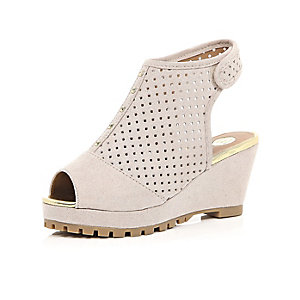 Girls cream laser cut wedges
