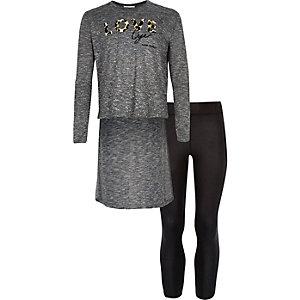 Girls dark grey top and leggings outfit