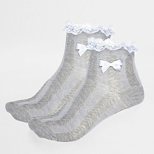 Girls grey frilly socks multipack
