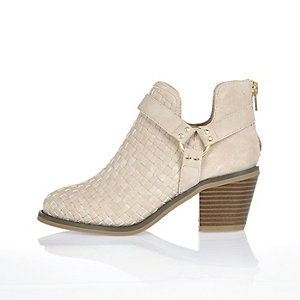 Girls cream lattice cut-out ankle boots