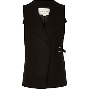 Girls black D-ring sleeveless jacket