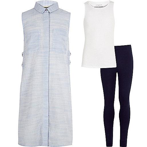 Blaues Outfit mit Oberteil und Leggings