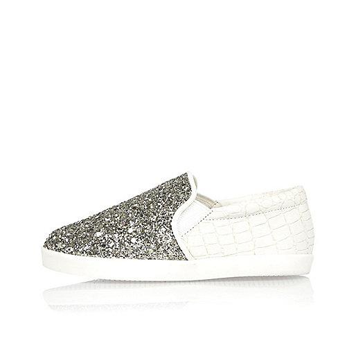 Mini girls white glittery slip on plimsolls