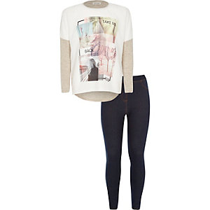 Girls cream graphic t-shirt leggings outfit