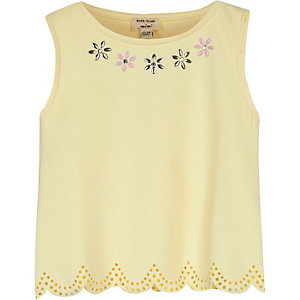 Mini girls lemon scalloped hem top