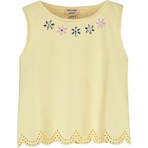 Mini girls lemon scalloped hem top
