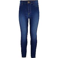 Blaue Jeans mit hohem Bund