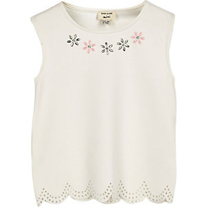 Mini girls white scalloped hem top