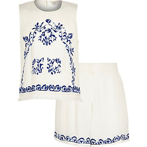 Girls white embroidered outfit