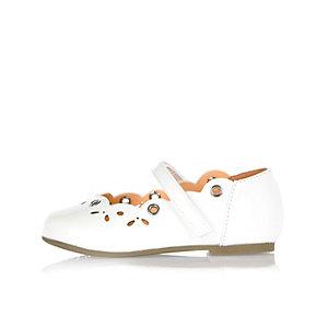 Mini girls white ballerina shoes
