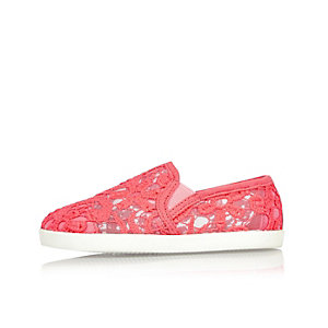 Mini girls pink lace plimsolls
