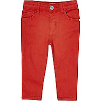 Rote Skinny-Jeans