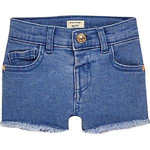 Blaue Jeansshorts für kleine Mädchen