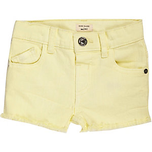 Mini girls yellow frayed denim shorts