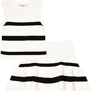 Mini girls white knitted top and skirt outfit