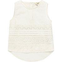 Mini girls white lace shell top