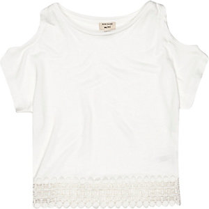 Mini girls cream crochet hem top