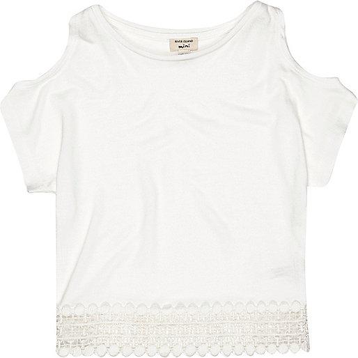 Mini girls cream crochet hem top