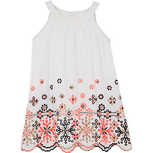 Mini girls white embroidered trapeze dress