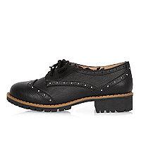 Chaussures richelieu style écolière noires cloutées pour fille