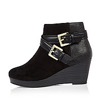 Girls black double buckle wedge boots