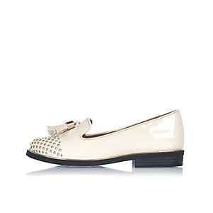Girls cream laser cut loafers
