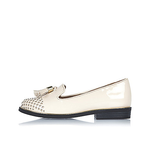 Loafer in Creme mit Laserschnittmuster