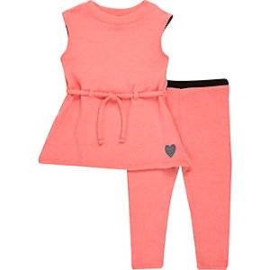 Mini girls pink top and trousers outfit