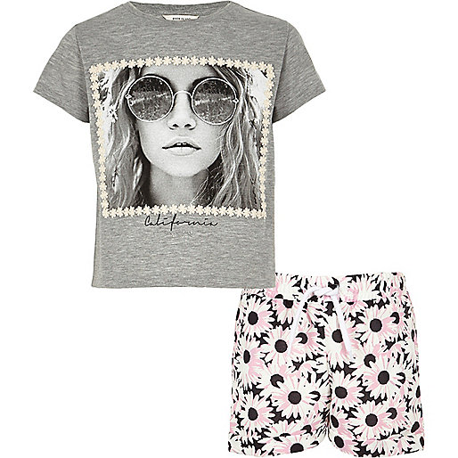 Girls grey print t-shirt and shorts outfit