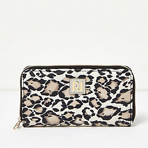 Girls white and black animal print purse