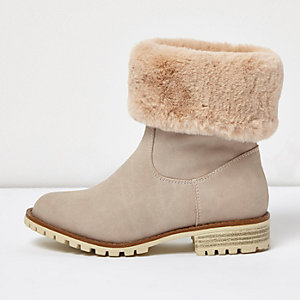 Girls cream faux fur lined chunky boots