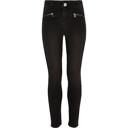 Slim Fit Jeans in schwarzer Waschung