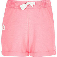 Girls pink boxy badge shorts