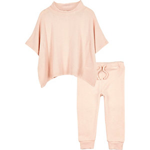 Mini girls pink cosy poncho outfit