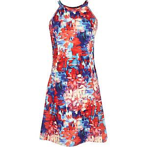 Rotes, bedrucktes Kleid
