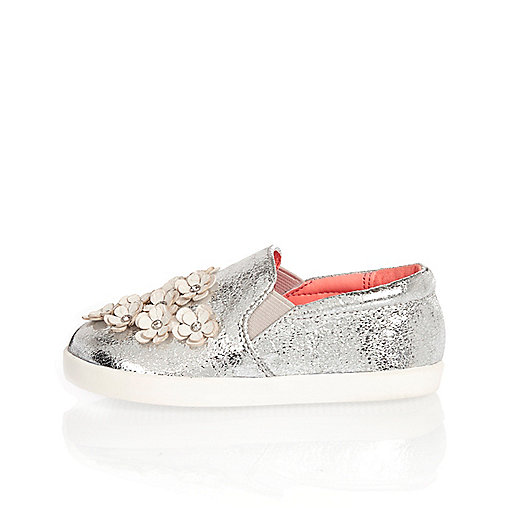 Mini girls silver embellished plimsolls