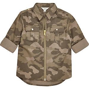 Hemd in Khaki mit Camouflage-Muster und Reißverschluss