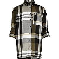 Kariertes, nietenverziertes Oversized-Hemd in Khaki