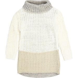 Pulloverkleid in Creme mit Rollkragen